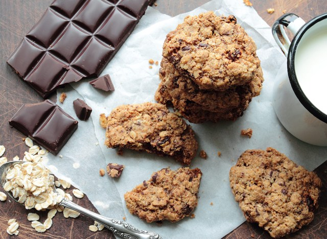 oatmeal chocolate chipcakes